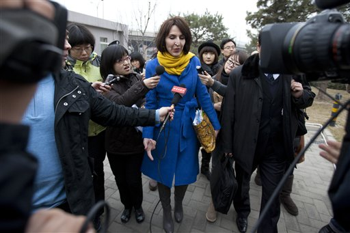 US woman becomes hero for battered wives in China