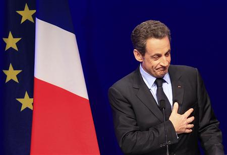 France's far right flirts with Sarkozy, seeks backing