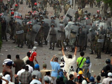 World View: Hundreds of Egyptians Injured as Police Storm Cairo Rally