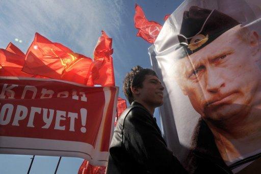 Foes and fans rally ahead of Putin inauguration