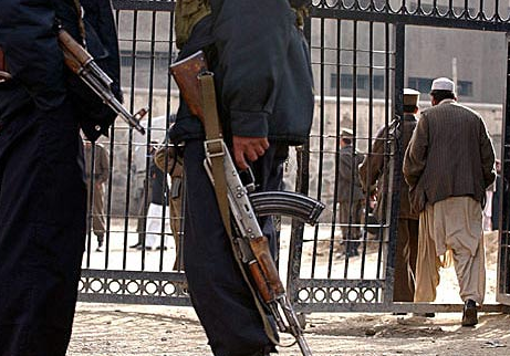 US Releases Afghan Insurgents If They Promise To Stop
