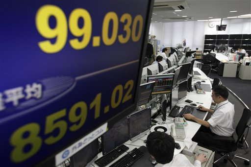 Spain fears hit stocks, push euro near 2-year lows