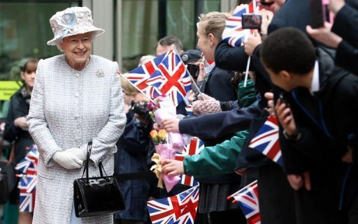 Britain begins Queen's diamond jubilee celebrations