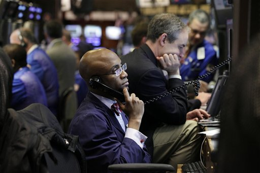 US stocks waver as emergency call on Europe starts