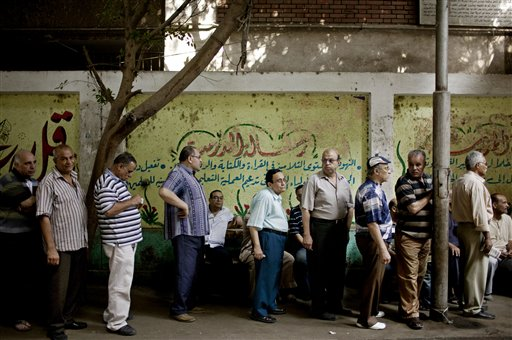 Egypt votes for 2nd day to pick Mubarak successor