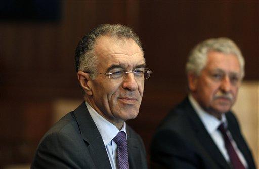 Greek Gov't Pledges to Safeguard Euro Membership