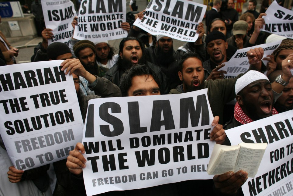 Islamist Group Pledges to 'Wipe Christianity From The Face of The Earth'
