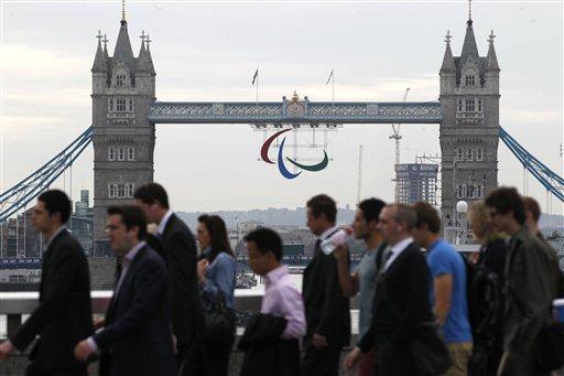 Pistorius Runs Again, This Time at Paralympics