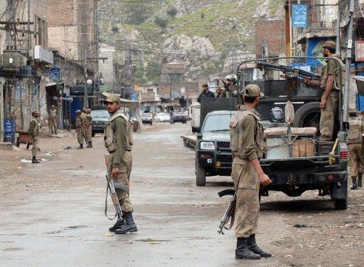 Car Bomb Kills 10 in NW Pakistan