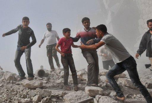Syria Drops Cluster Bombs on Maaret al-Numan: Rebels