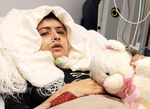 Shot Pakistani Schoolgirl Malala Visited by Family