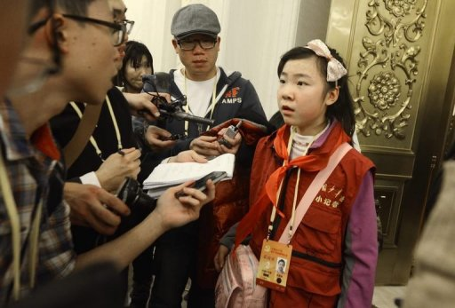 Sixth-Grade Chinese Reporter Puts Officials on the Spot