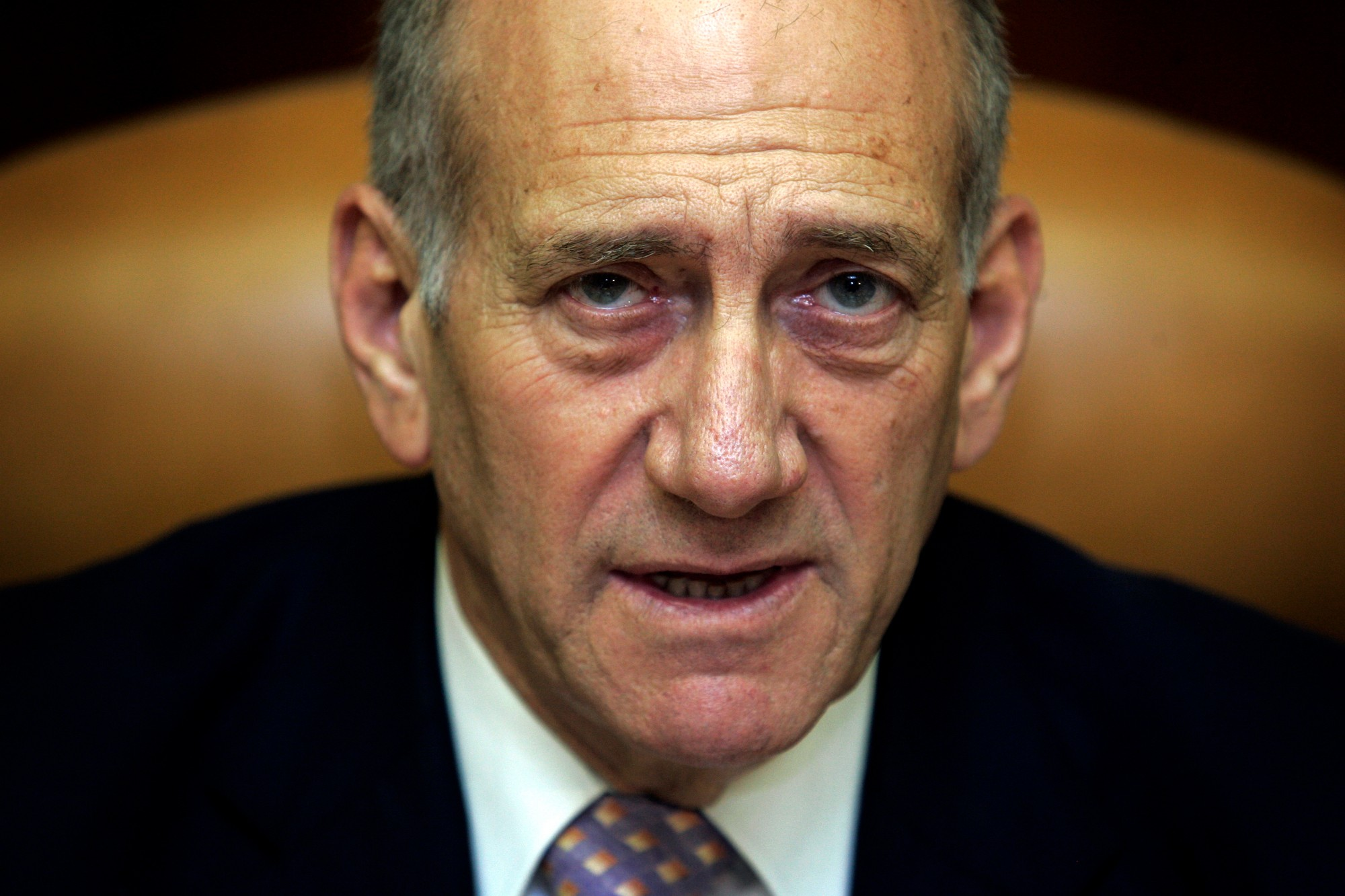 Poll: Israelis Don't Want Olmert
