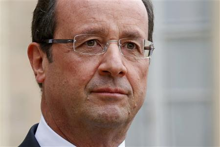 Popularity of France's Hollande Continues Decline: Poll