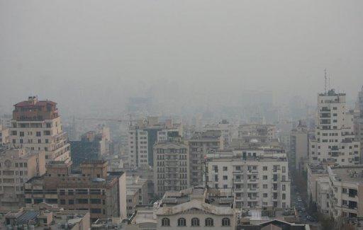 Tehran Shuts Schools, Agencies Amid Smog