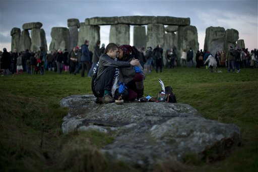 Tens of thousands gather at Stonehenge for solstice