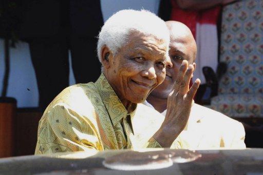 Nelson Mandela Leaves Hospital