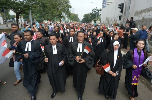Indonesian Minorities Protest Religious Intolerance