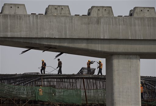 China's Economic Growth Slows in First Quarter