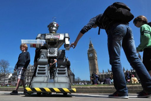 Rights Group Launches Campaign to Ban 'Killer Robots'