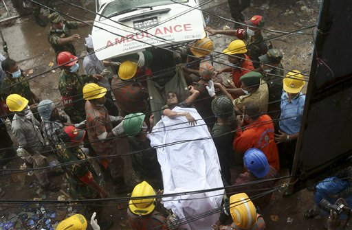 Bangladesh Building Collapse Death Toll Nears 350
