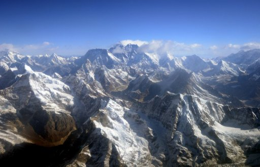 Fight on Everest Sparks Police Probe