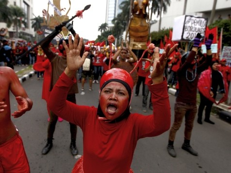 World View: May Day Protests Highlight Financial Crisis, Worker Exploitation