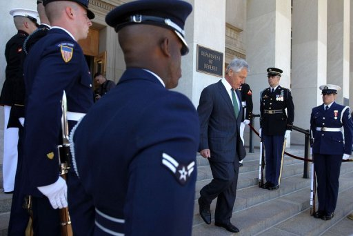 Hagel's Pentagon Defends Unconstitutional Policy Against Soldiers Sharing Faith