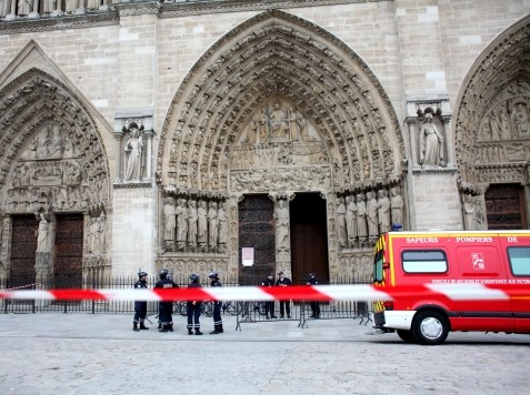 Hard-Right Historian Commits Suicide in Notre Dame