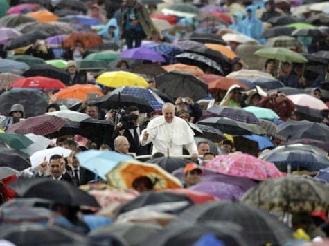 Pope Francis Addresses Crowd in Rain, No Need for Umbrella