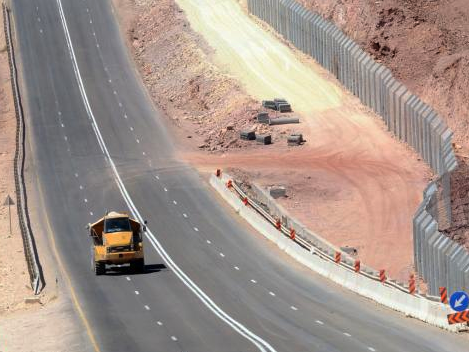 Israel Builds Sinai Border Fence; Illegal Crossings Drop 99.9%