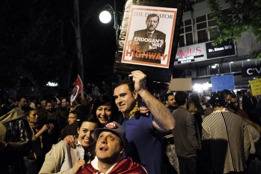 Turkey PM Urges End to Protests