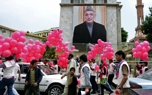 Karzai Orders Britain to Hand over Detainees