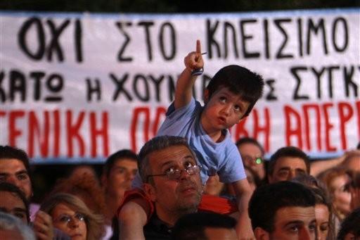 Greece: TV Screens Still Blank Amid Dispute