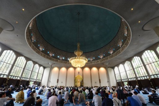 Anti-Sexual Grooming Sermon Goes Out to 500 Mosques