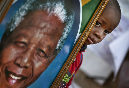 South Africa: Mandela Remains Critical in Hospital