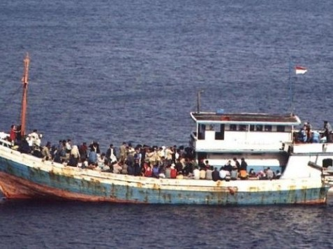 World View: Australia to Send 'Boat People' to Papua New Guinea
