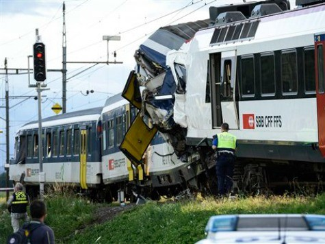 Swiss Police Say 35 injured in Train Collision