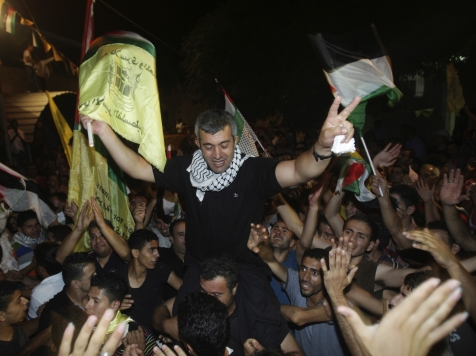 World View: Palestinians Celebrate with Fireworks as Israel Releases 26 Prisoners