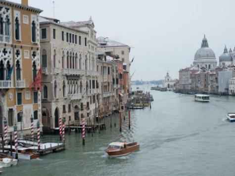 Venice Gondola Accident Kills German Tourist