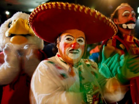 Mexico Clowns Distance Selves from Costumed Killer