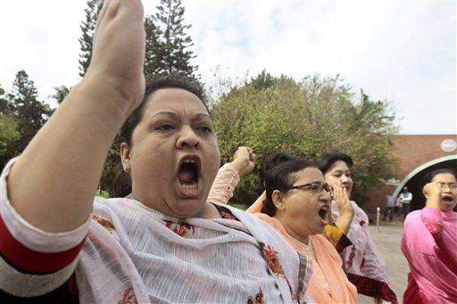 5 Dead as Bangladesh Opposition Enforces Strike