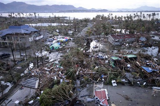 UPDATE: Red Cross Estimates 1,200 Dead as Typhoon Slams Central Philippines