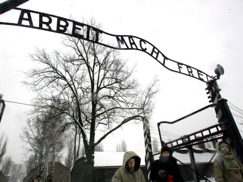 Turkish Students Arrested for Nazi Salute at Auschwitz