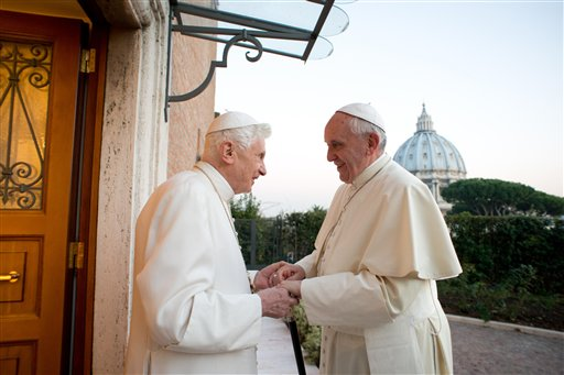 Ho Ho Holy: 2 Popes Exchange Christmas Greetings