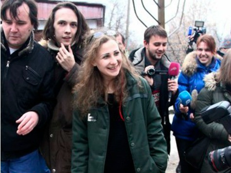 Russian Activist: 2 Members of Pussy Riot Punk Band Arrested in Sochi