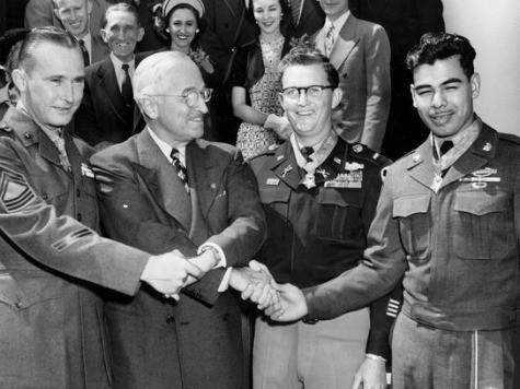 Rodolfo Hernandez, Awarded Medal of Honor, Dies at 82
