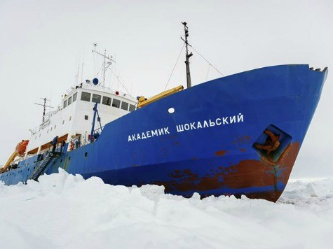 Icebreaker Efforts Fail, Research Vessel Still Trapped in Antarctica