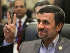 Iran's Ahmadinejad Attempts Reconciliation with Egypt