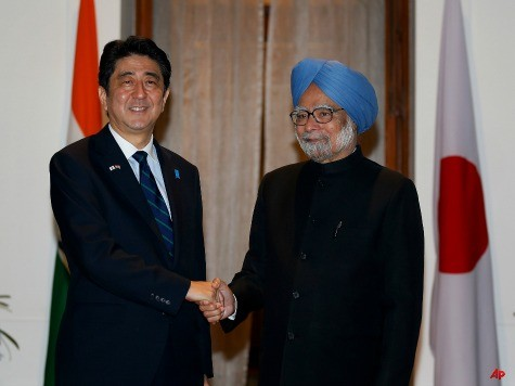 Japan PM Lands in India to Push Closer Ties